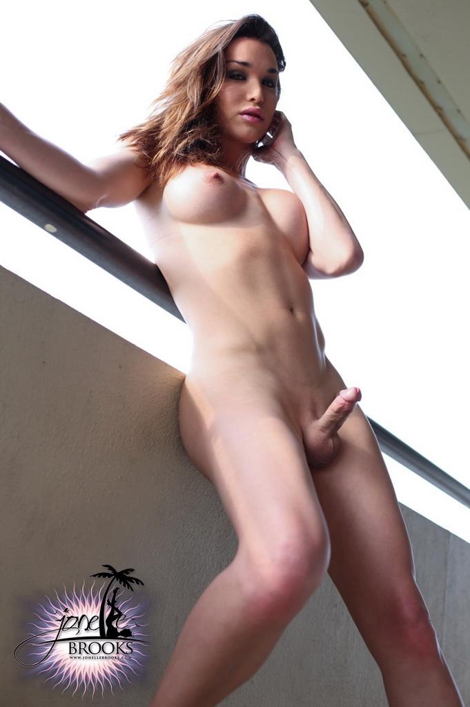 Cute Naked Shemales Jone Brooks