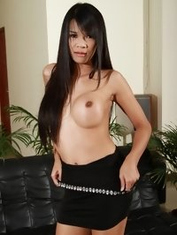 Asian tranny lady in rich apartaments